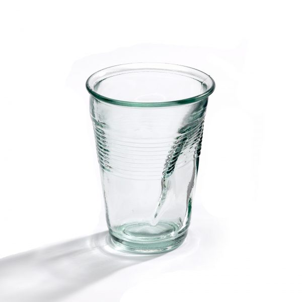 Deukglas Dent Glass Crushed Glass Design Rob Brandt voor Goods